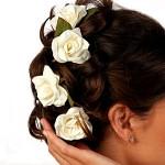 ślubne upięcie włosów w salonie